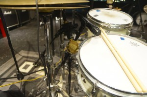 AT Pro63 and Cascade Fathead II ribbon mic on the snare drum. Ultimate Studios, Inc
