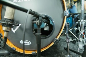 FullOnDrums.com Session Report Jeff Bowders Microphone Placement on his kick drum