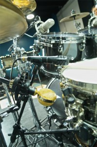 Audio-Techncia Pro63 & Cascade Fathead II on snare drum. Jeff Bowders at Ultimate Studios, Inc for FullOnDrums.com Sesison Report